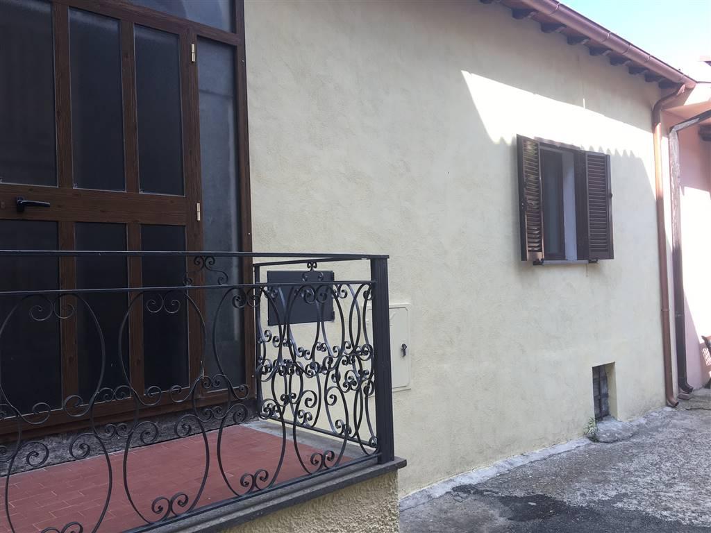 Casa semi indipendente, Viterbo, abitabile