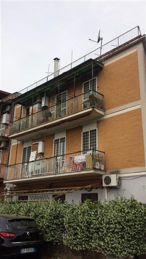Trilocale in Via Del Fringuello  113, Casilina, Prenestina, Centocelle, Alessandrino, Roma