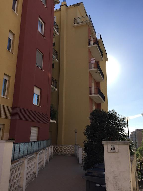 Appartamento in vendita a Chieti, 7 locali, zona Località: EX OSPEDALE PEDIATRICO, prezzo € 130.000 | Cambio Casa.it