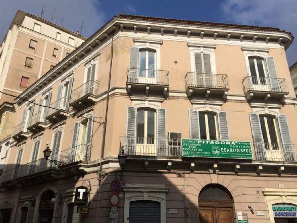 Ufficio / Studio in vendita a Chieti, 5 locali, zona Zona: Centro storico, prezzo € 180.000 | Cambio Casa.it