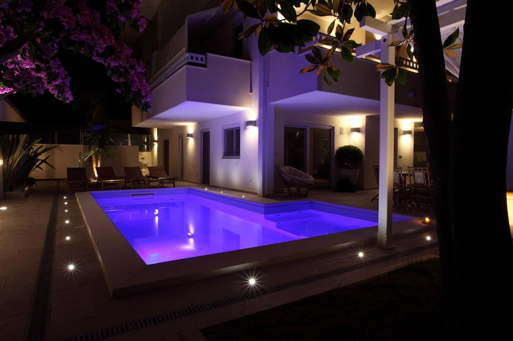 Villa in vendita a Montesilvano, 10 locali, Trattative riservate | Cambio Casa.it