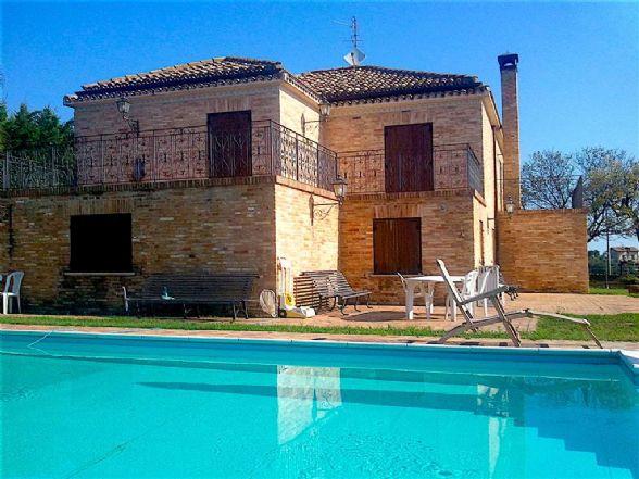 Villa in vendita a Ripa Teatina, 11 locali, Trattative riservate | Cambio Casa.it