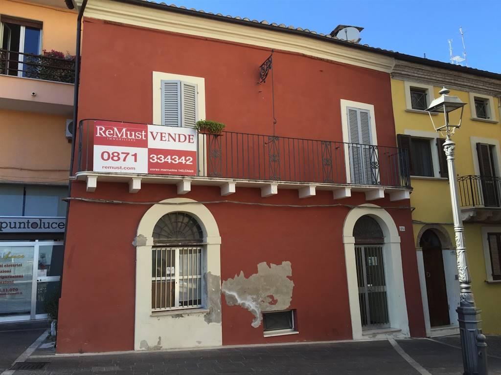 Soluzione Indipendente in affitto a Chieti, 4 locali, zona Zona: Centro storico, prezzo € 400 | Cambio Casa.it
