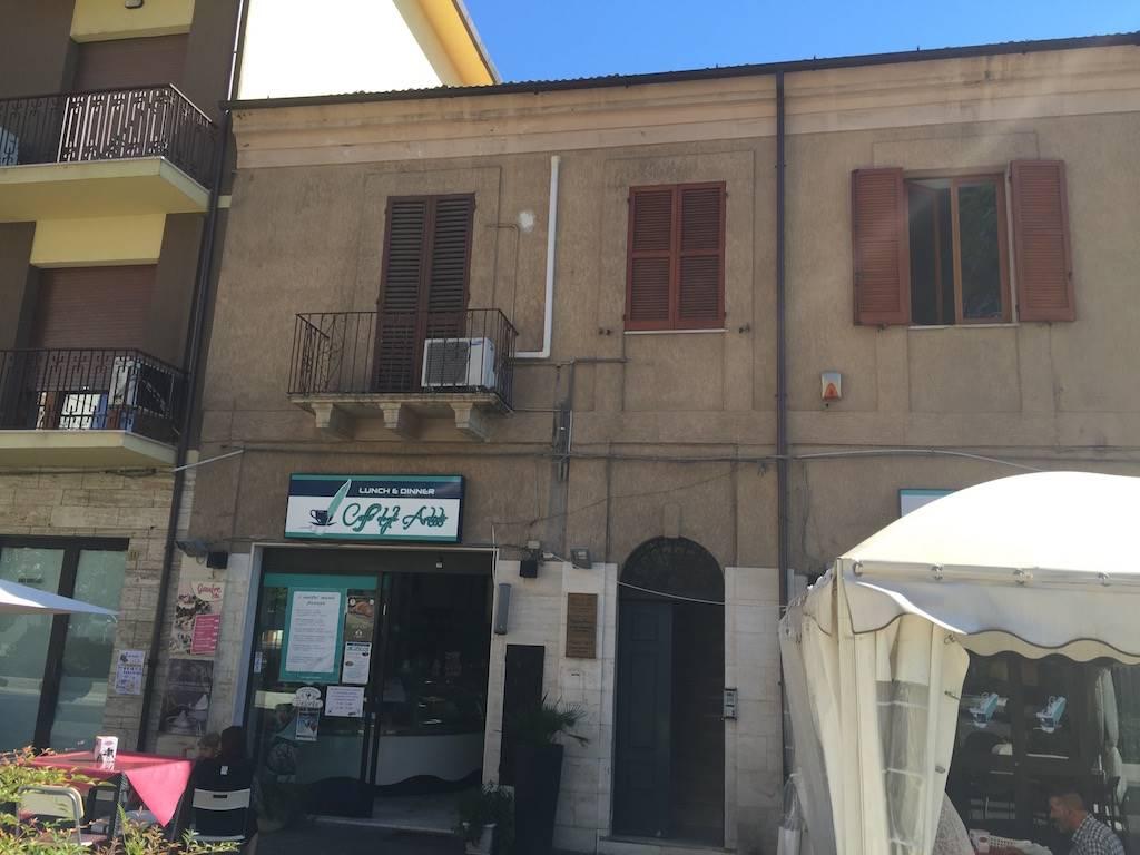 Ufficio / Studio in affitto a Chieti, 2 locali, zona Zona: Stazione, prezzo € 400 | Cambio Casa.it