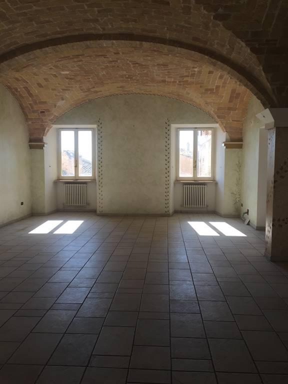 Immobile Commerciale in vendita a Chieti, 7 locali, zona Zona: Centro storico, prezzo € 320.000 | Cambio Casa.it