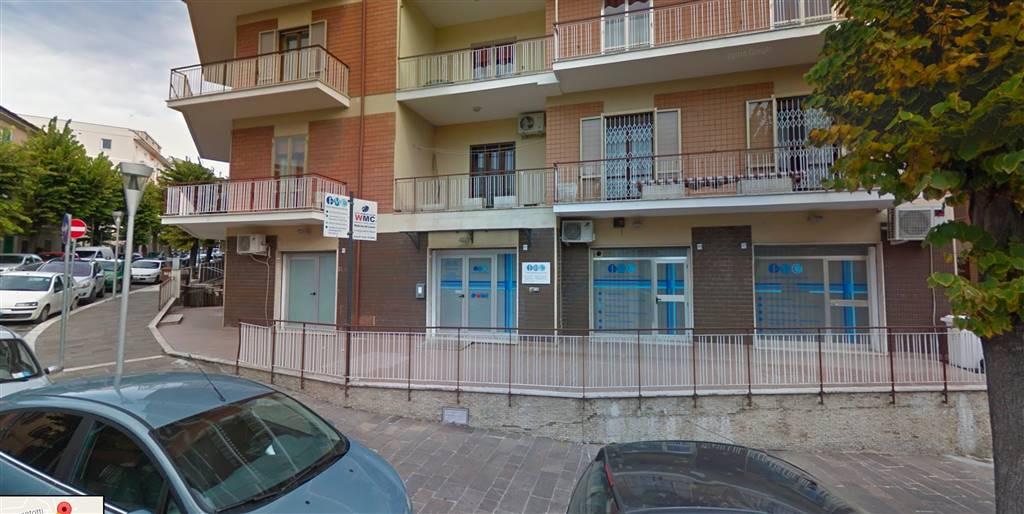Ufficio / Studio in vendita a Chieti, 6 locali, zona Zona: V. Europa , prezzo € 190.000 | Cambio Casa.it