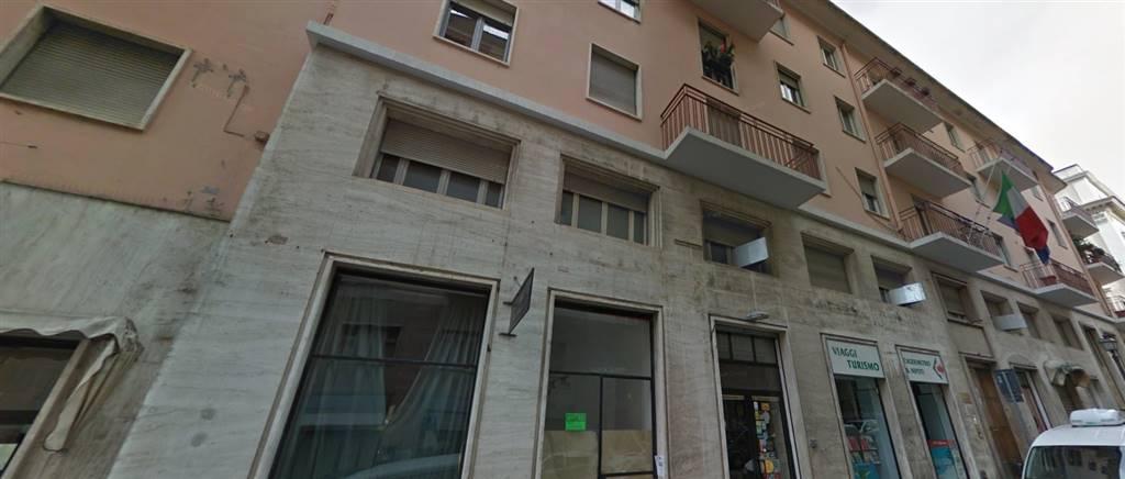Ufficio / Studio in vendita a Chieti, 20 locali, zona Zona: Centro storico, prezzo € 390.000 | Cambio Casa.it