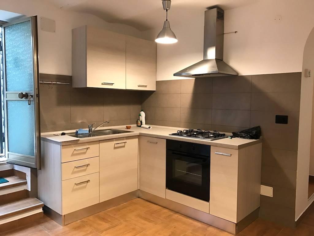 Soluzione Indipendente in affitto a Chieti, 2 locali, zona Località: CENTRO, prezzo € 280 | Cambio Casa.it