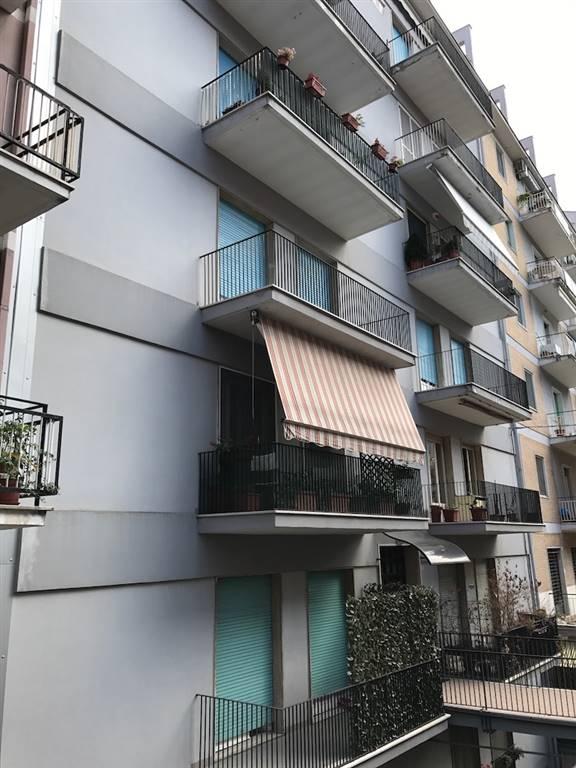 Zona Centrale - Via Papa Giovanni XXIII al quarto piano un appartamento con uno splendido affaccio panoramico, luminosissimo; l'immobile, spazioso