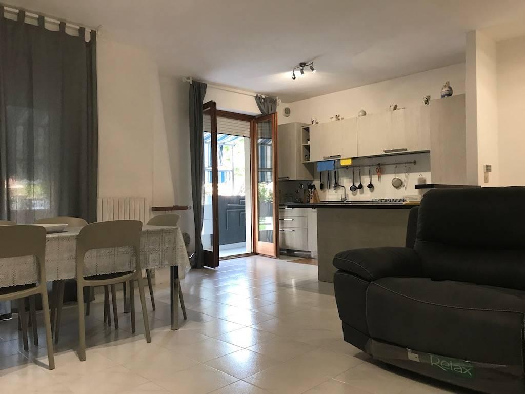 Pescara - Zona S.Silvestro spiaggia (Confine Pescara/Francavilla al Mare) In residence recintato, in zona residenziale tranquilla e dotata di