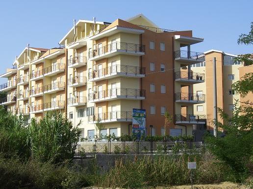 Appartamento in vendita a Rende, 3 locali, prezzo € 70.000 | Cambio Casa.it
