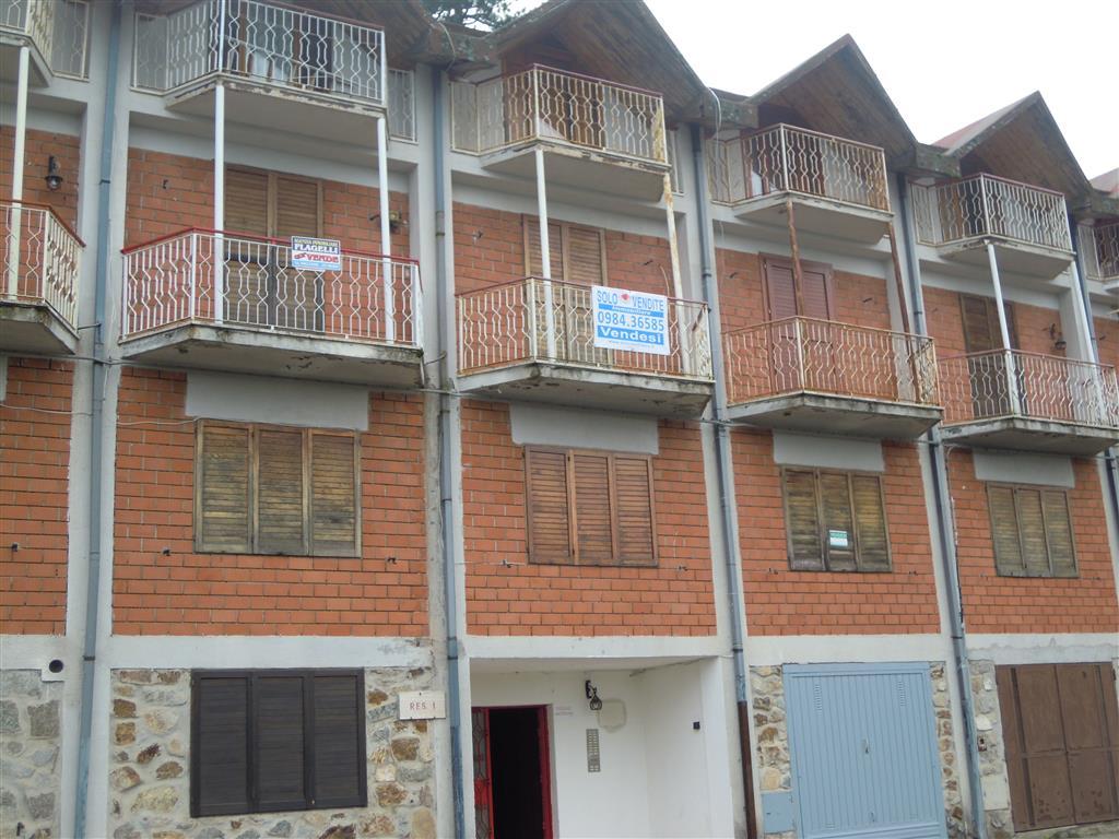 Appartamento in vendita a Cotronei, 3 locali, prezzo € 27.000 | Cambio Casa.it