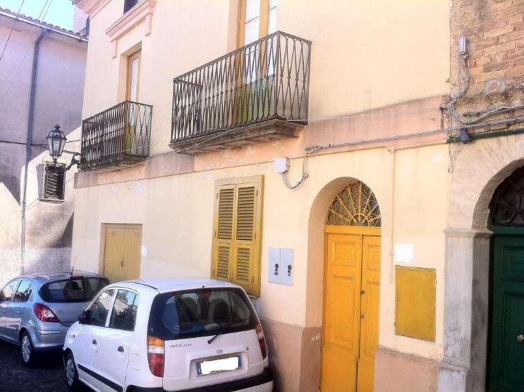 Soluzione Indipendente in vendita a Rende, 10 locali, prezzo € 160.000 | Cambio Casa.it