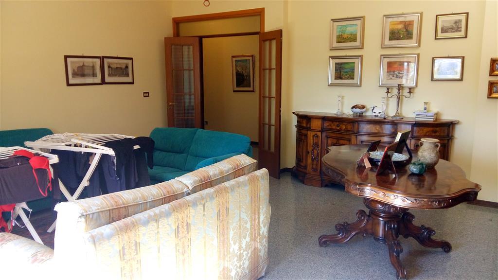 Appartamento in vendita a Mendicino, 7 locali, zona Zona: Rosario, prezzo € 114.000 | Cambio Casa.it