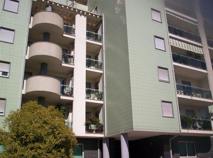 Appartamento in affitto a Cosenza, 2 locali, zona Zona: Via Panebianco, prezzo € 330   CambioCasa.it