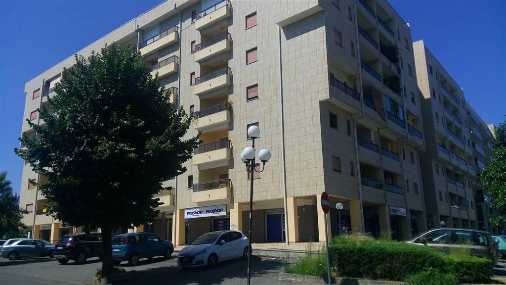 Appartamento in affitto a Rende, 3 locali, zona Località: COMMENDA, prezzo € 520 | Cambio Casa.it