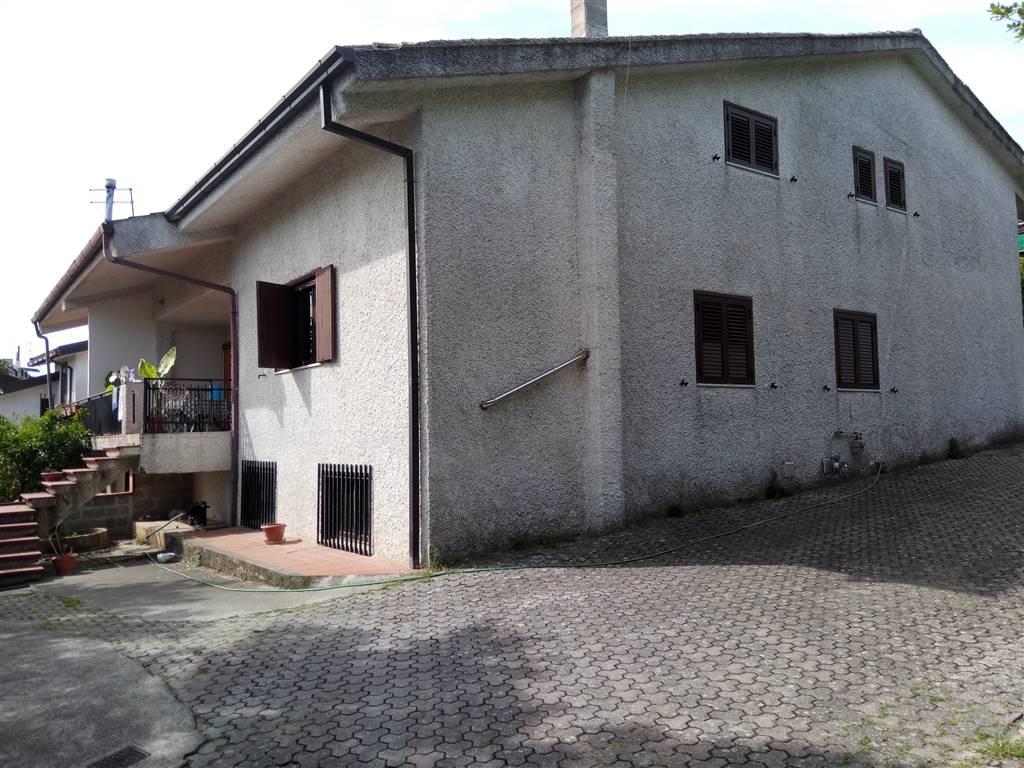 Villa in affitto a Cerisano, 10 locali, prezzo € 420 | Cambio Casa.it