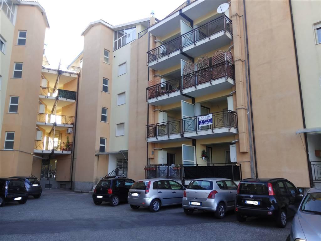 Appartamento in affitto a Rende, 2 locali, zona Località: SANTO STEFANO DI RENDE, prezzo € 260 | Cambio Casa.it