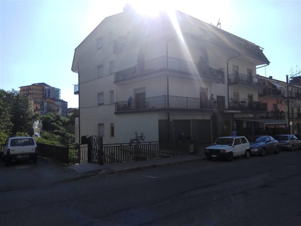 Appartamento in vendita a Rogliano, 5 locali, prezzo € 95.000 | CambioCasa.it