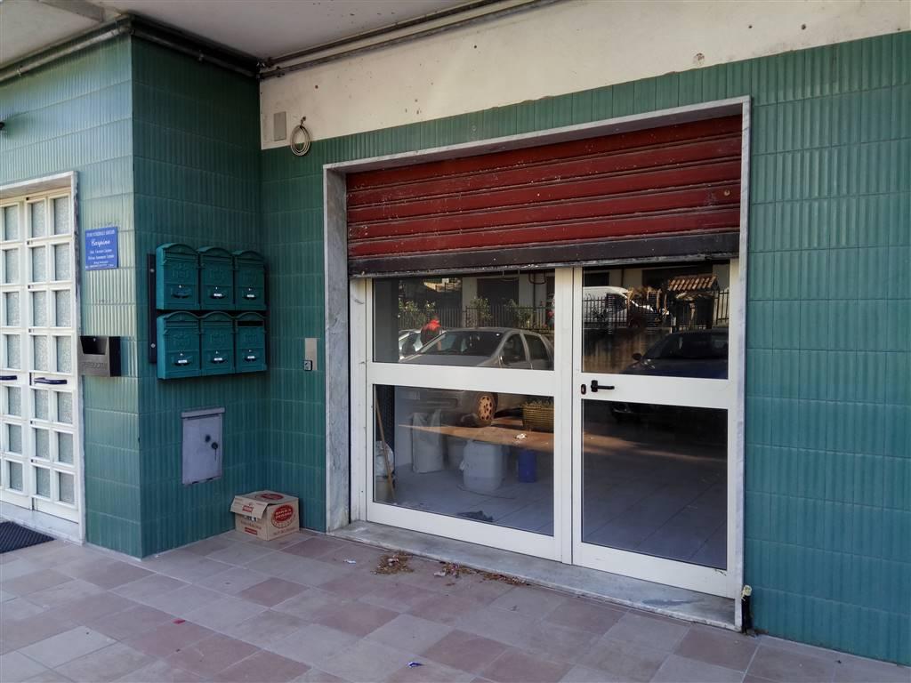 Negozio / Locale in vendita a Rogliano, 1 locali, prezzo € 90.000   CambioCasa.it