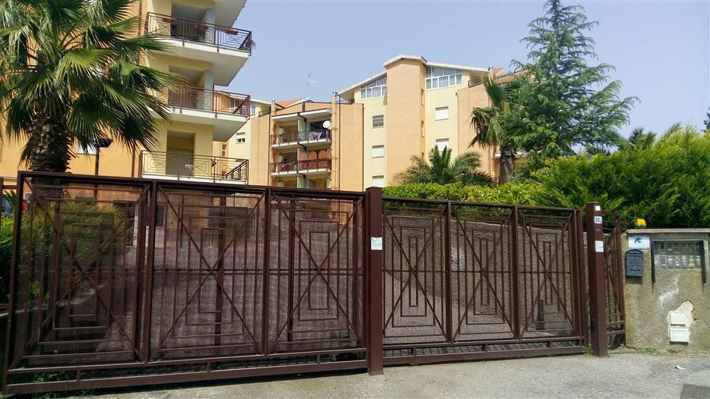 Appartamento in affitto a Rende, 3 locali, zona Località: SANTO STEFANO DI RENDE, prezzo € 360 | Cambio Casa.it