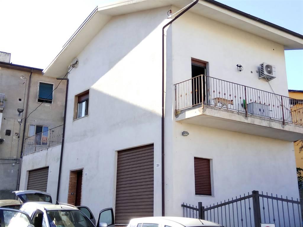 Appartamento in affitto a Cosenza, 2 locali, zona Zona: Repubblica, prezzo € 400   CambioCasa.it