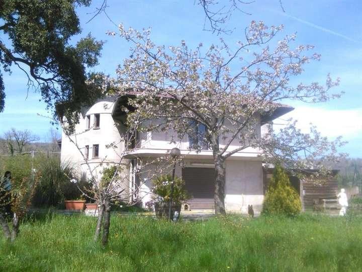 Villa in vendita a Lamezia Terme, 10 locali, zona Località: FRONTI, Trattative riservate | Cambio Casa.it
