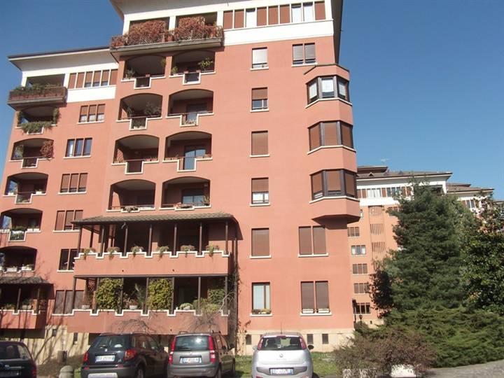 Appartamento in vendita a Vedano al Lambro, 6 locali, prezzo € 425.000 | Cambio Casa.it
