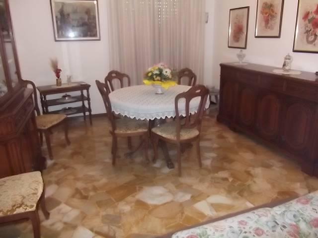Appartamento in Vendita a Arese: 3 locali, 90 mq