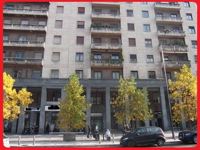 Ufficio-studio in Affitto a Milano: 5 locali, 260 mq