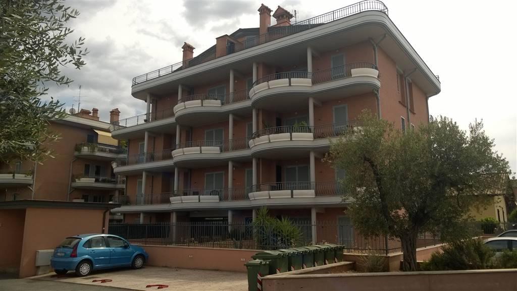 Bilocale in Via Del Padiglione 3, Roma