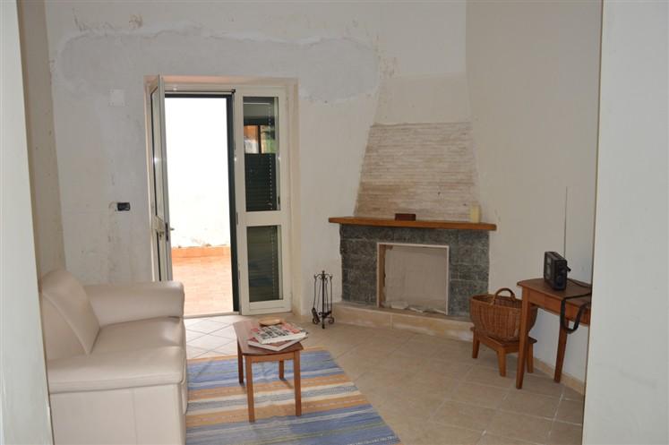 Casa singola in Via Tommaso Vitale 16, San Paolo Bel Sito