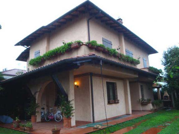 Villa vendita FORTE DEI MARMI (LU) - 5 LOCALI - 180 MQ