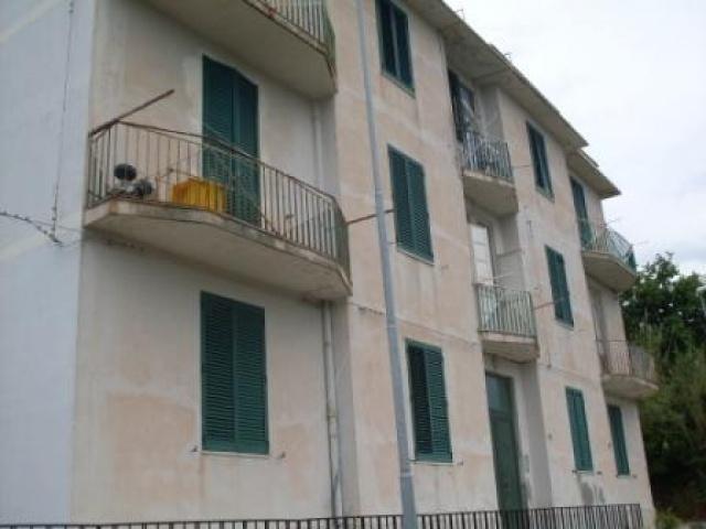 Bilocale in Gesso Localita' Gesso, Nord, Messina
