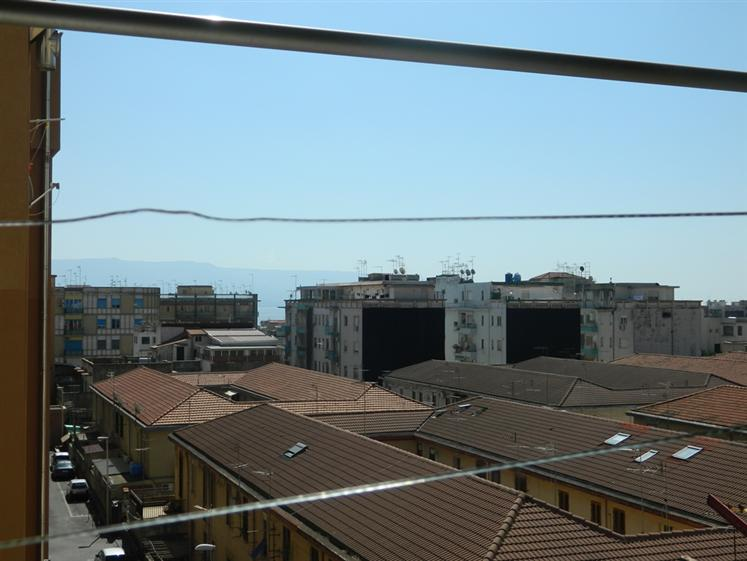 Trilocale in Via Bottone, Provinciale, Messina