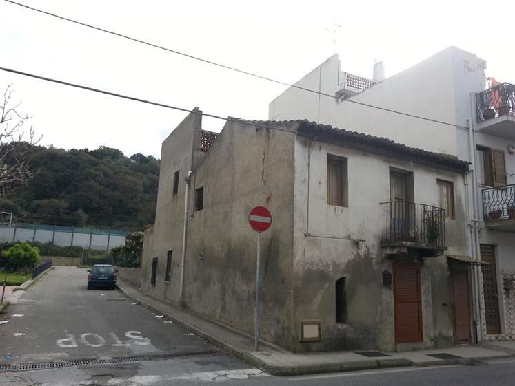 Casa singola in Via Nazionale, Rometta