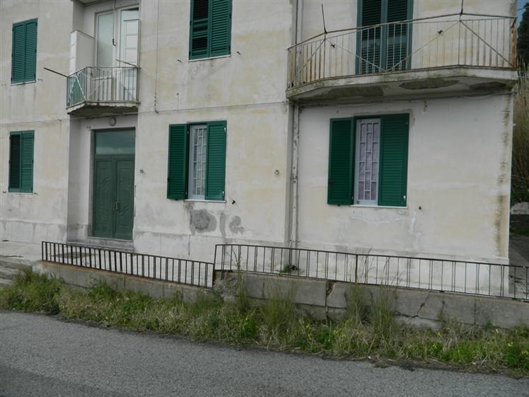 Trilocale in Localita' Gesso, Nord, Messina