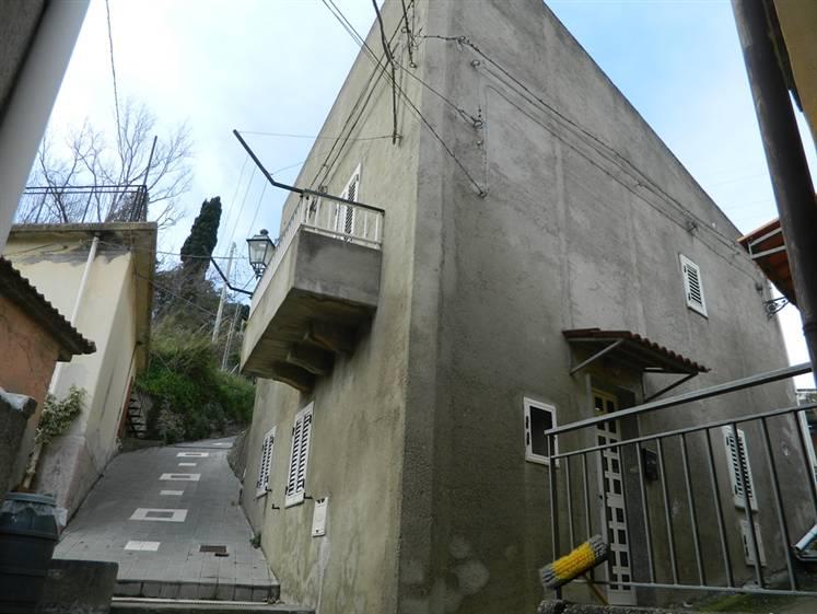 Casa singola in Via M. Cangeri, Calvaruso, Villafranca Tirrena