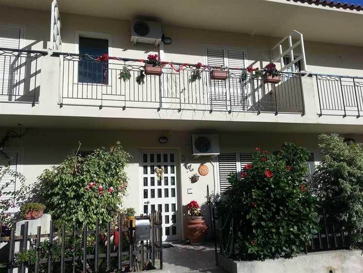 Villa a schiera, Villafranca Tirrena, ristrutturata