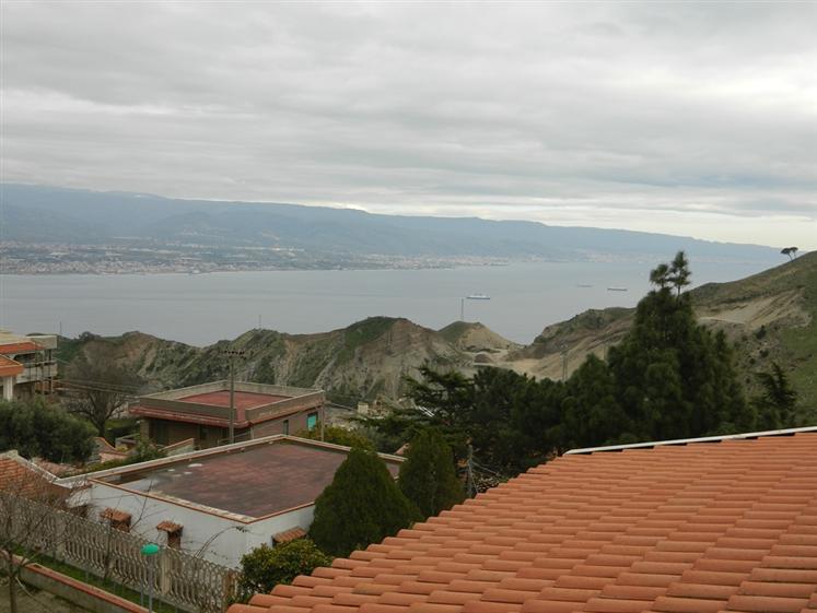 Villa in Via Dei Rosai, Messina
