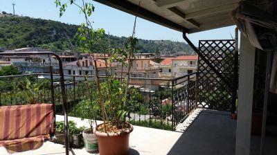 Trilocale in Via Lifia, Rometta