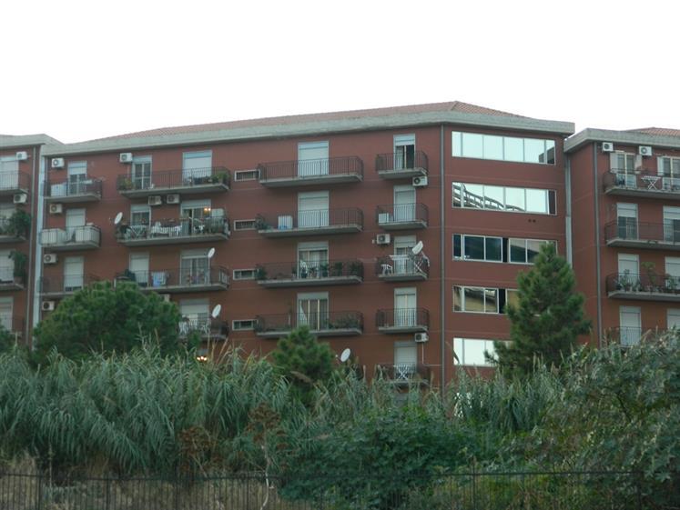 Quadrilocale in Via Comunale Santo, Contesse,gazzi,tremestieri, Messina