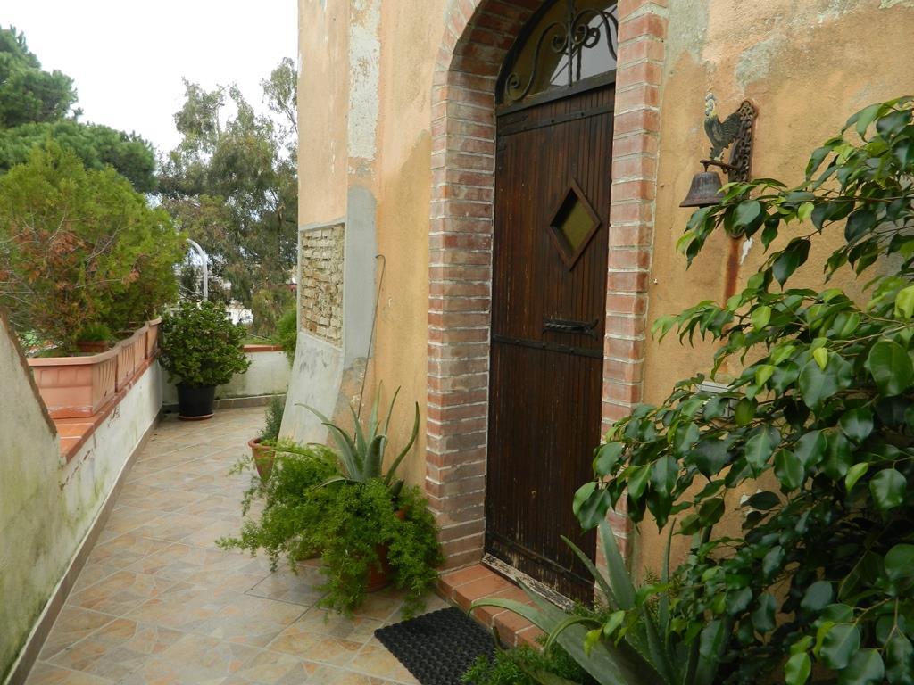 Casa singola in Località Castanea Delle Furie, Messina