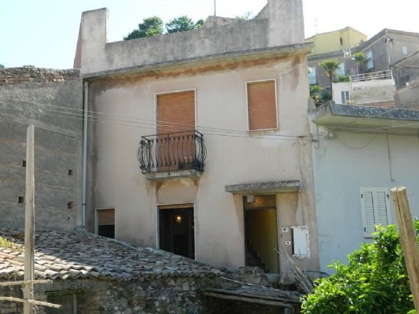 Casa singola in Via Castello, Calvaruso, Villafranca Tirrena