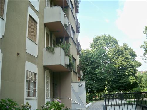 Trilocale in Via Capo Palinuro 2, Barona, Giambellino, Lorenteggio, Milano