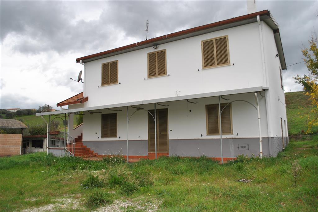 Casa singola, Tortoreto, ristrutturata