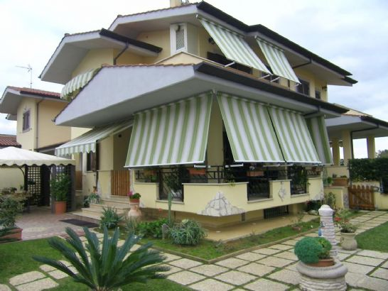 Villa in vendita a Sabaudia, 8 locali, prezzo € 420.000 | Cambio Casa.it