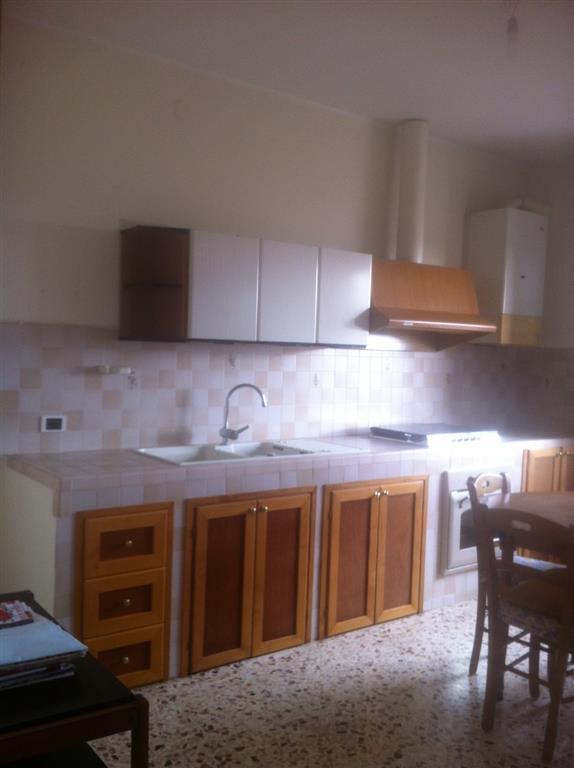 Appartamento in vendita a Latina, 6 locali, zona Località: STADIO, prezzo € 178.000 | Cambio Casa.it
