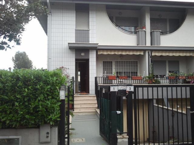 Villa in vendita a Latina, 8 locali, zona Zona: Borgo San Michele, prezzo € 250.000 | Cambio Casa.it