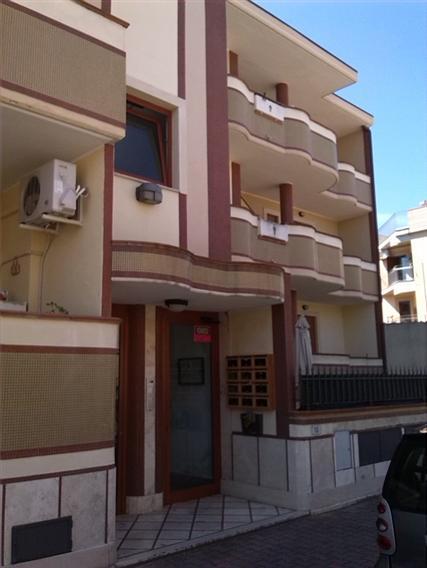 Appartamento in vendita a Latina, 4 locali, zona Località: CAMPO BOARIO, prezzo € 159.000 | Cambio Casa.it